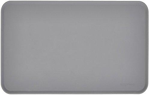 AmazonBasics - Wasserabweisende Napfunterlage aus Silikon, Unterlage für Haustierfutter, 47 x 29 cm, Grau