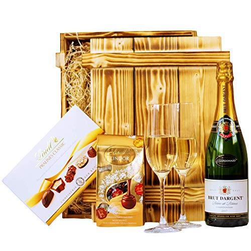 Geschenkset Nizza | Geschenkkorb gefüllt mit Sekt Brut Chardonnay, Lindt Pralinen & Holzkiste | Schokoladen Präsentkorb für Frauen & Männer zur Hochzeit, Geburtstag, Dankeschön