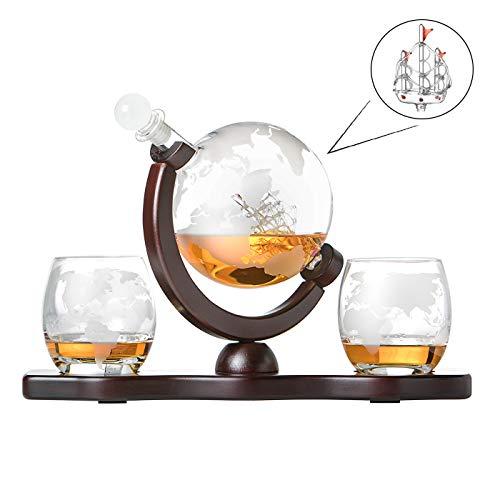Whiskyset Glas-Karaffe Globus Segelschiff mit gravierter Weltkarte, 2 Whiskygläser und Holz-Tablett, Whisky Flasche mit luftdichtem Verschluss, Decanter 850ml Geschenkidee für Männer